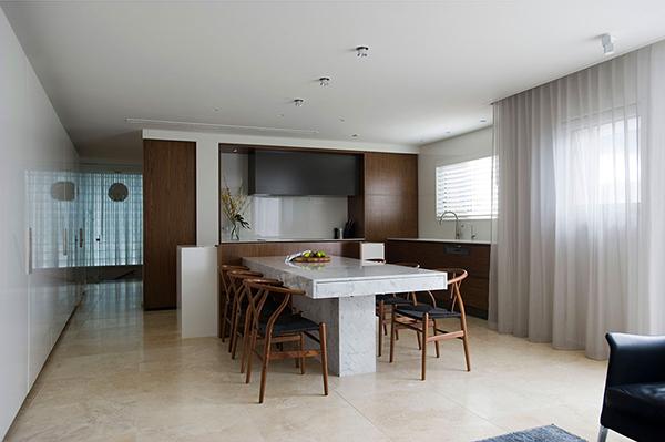 malak-apartament-s-hitri-idei-za-optimizirane-na-prostranstvoto-1g