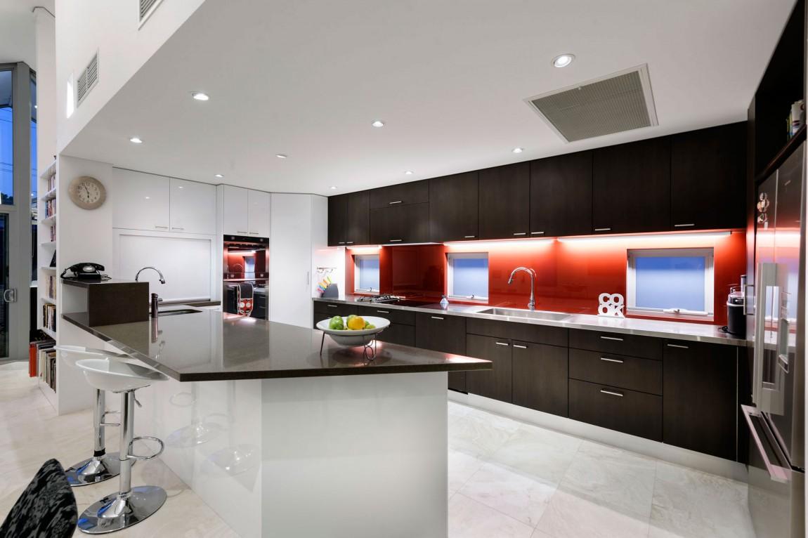 kashta-s-ekstravagantna-arhitektura-i-moderen-interioren-dizain-6g