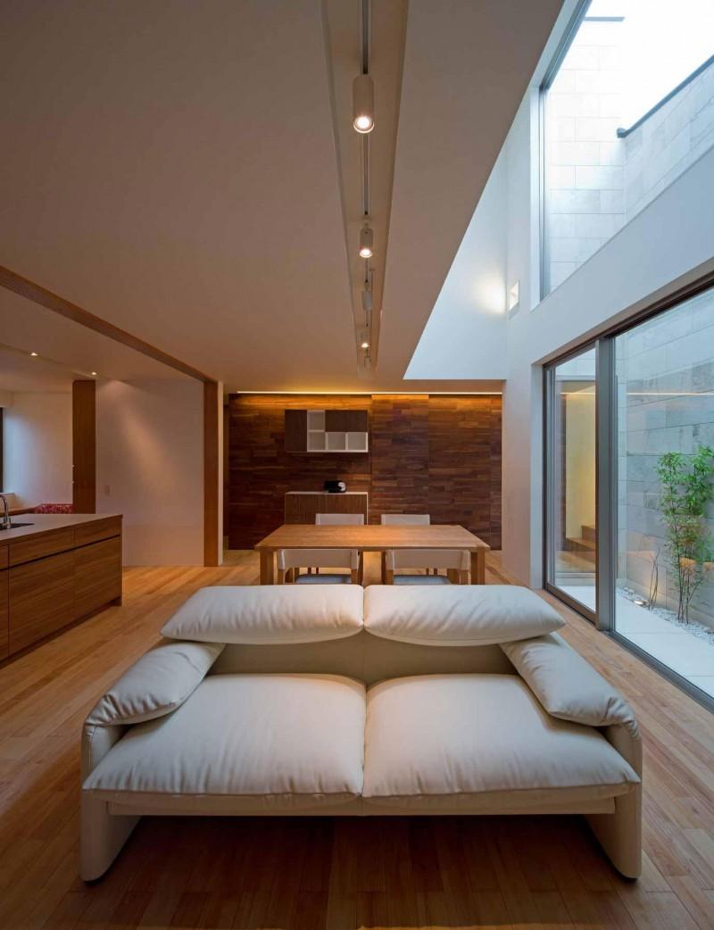 intriguvasht-savremenen-interior-na-rezidentsiq-v-qponiq-3g