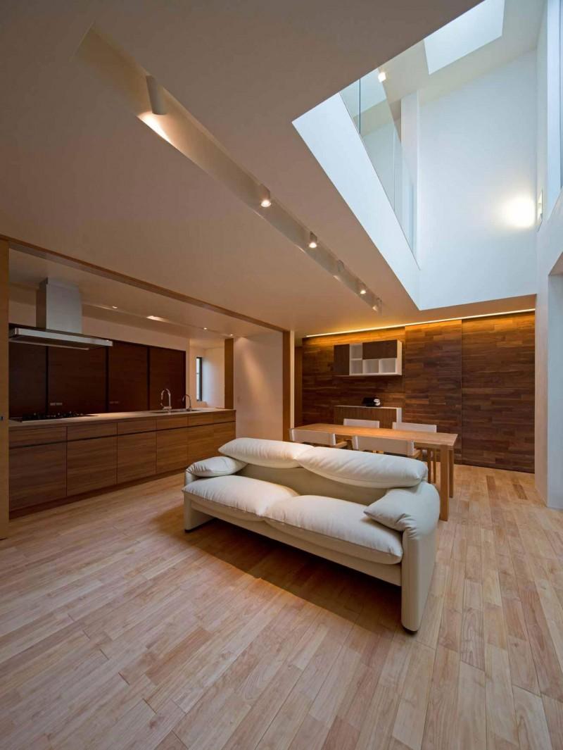 intriguvasht-savremenen-interior-na-rezidentsiq-v-qponiq-4g