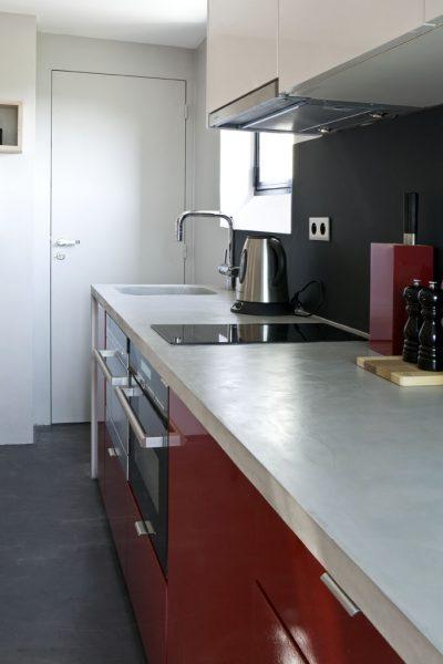 naistina-malak-apartament-16-kv-m-v-parij-sas-dobre-optimiziran-interior-9g