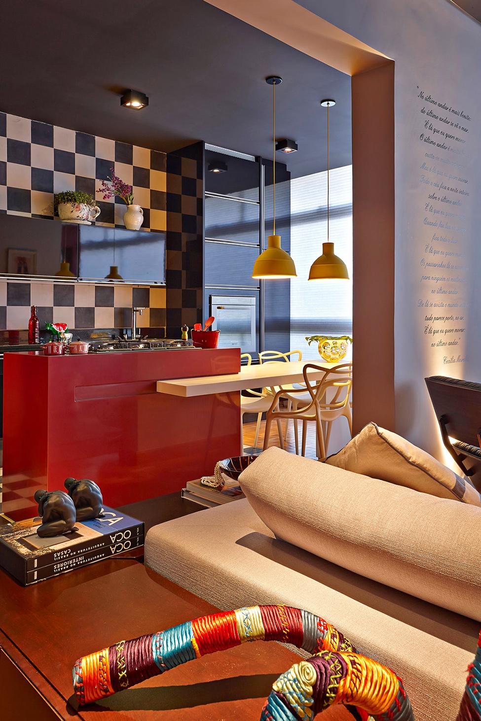 apartament-v-braziliq-pokazva-neveroqten-miks-ot-tsvetove-i-teksturi-3g
