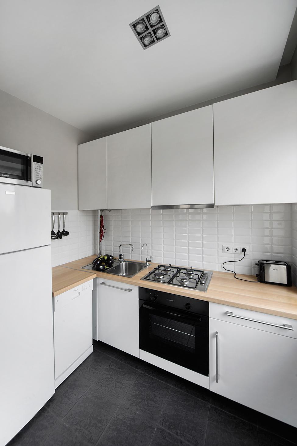apartament-v-moskva-pokazva-miks-ot-moderen-i-retro-stil-8g