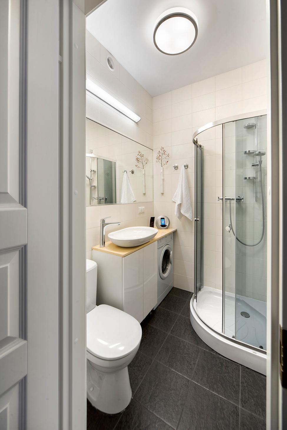 apartament-v-moskva-pokazva-miks-ot-moderen-i-retro-stil-913g