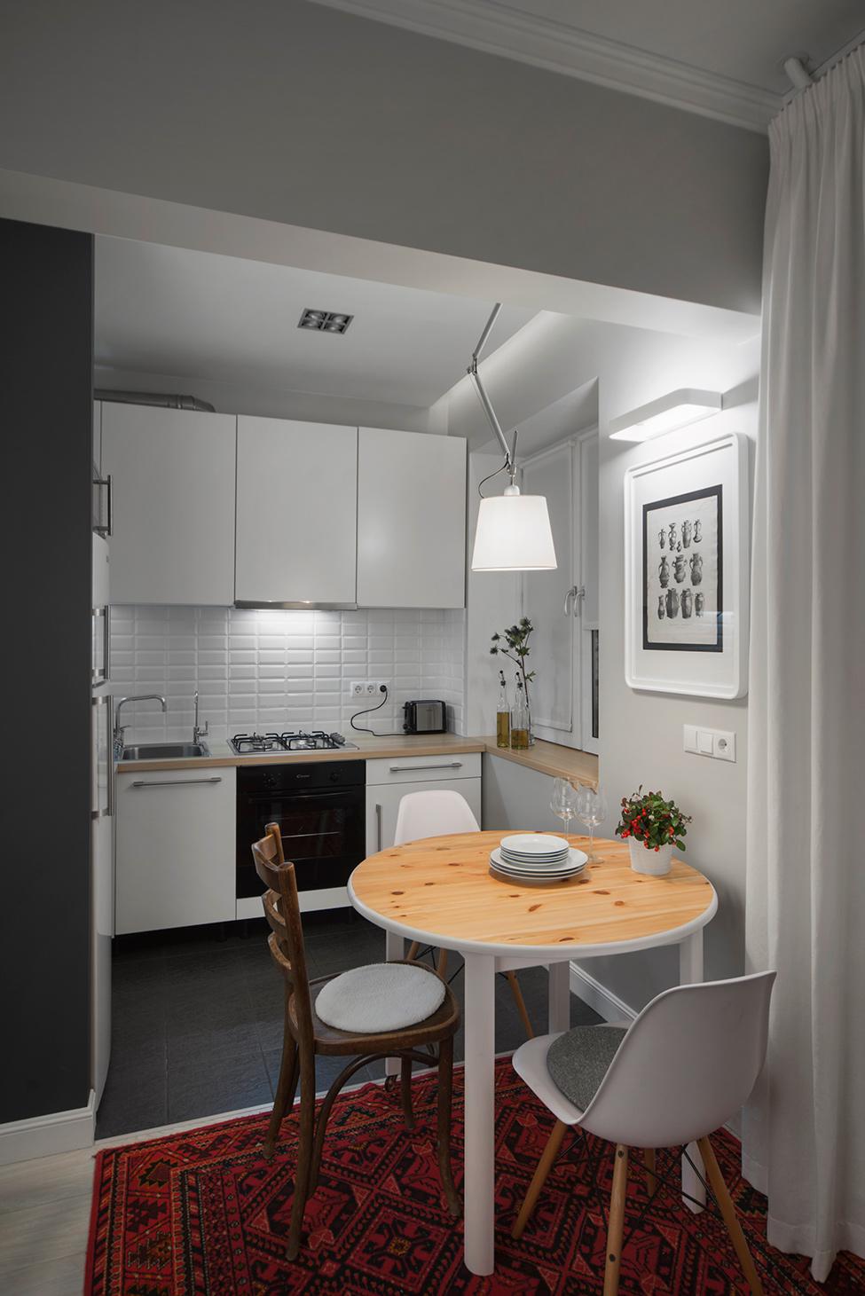 apartament-v-moskva-pokazva-miks-ot-moderen-i-retro-stil-9g