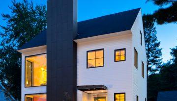 Малка къща със семпла визия и прекрасен интериор от Quartersawn