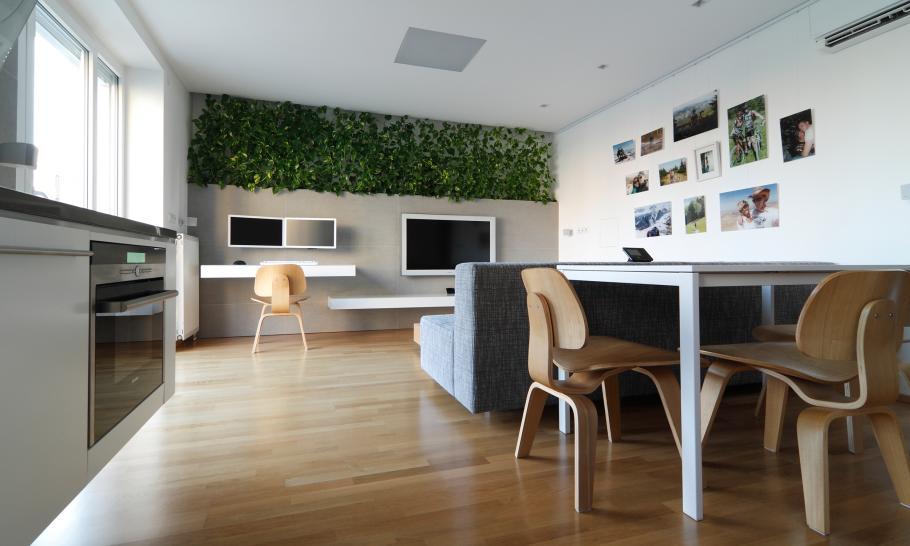malak-apartament-v-slovakiq-i-negovoto-palno-preobrazqvane-4g