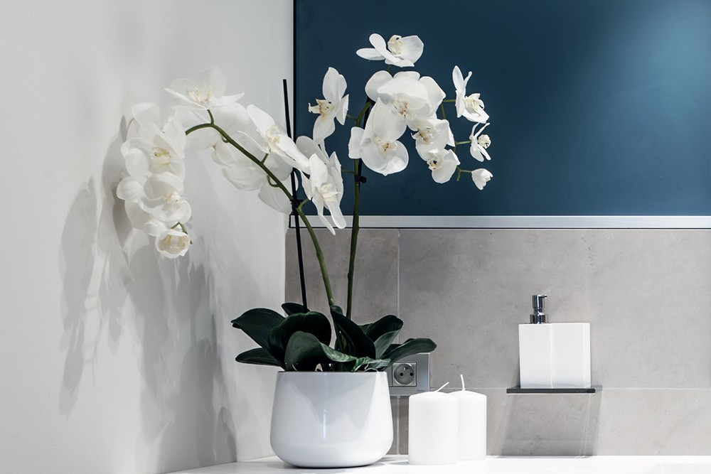 stilen-apartament-s-interior-v-svetli-tsvetove-ot-ng-studio-6g