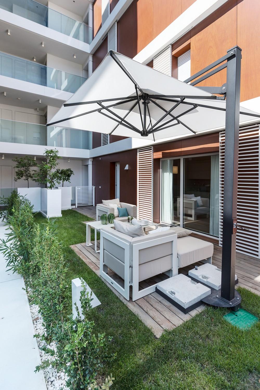 stilen-apartament-s-interior-v-svetli-tsvetove-ot-ng-studio-9g