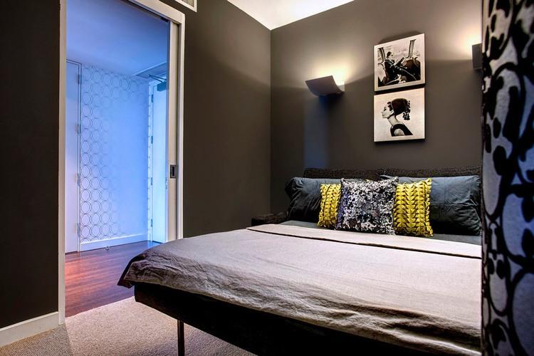vpechatlqvasht-apartament-s-raznoobrazni-tsvetove-i-teksturi-v-los-andjelis-8g