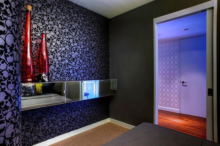 vpechatlqvasht-apartament-s-raznoobrazni-tsvetove-i-teksturi-v-los-andjelis-9g