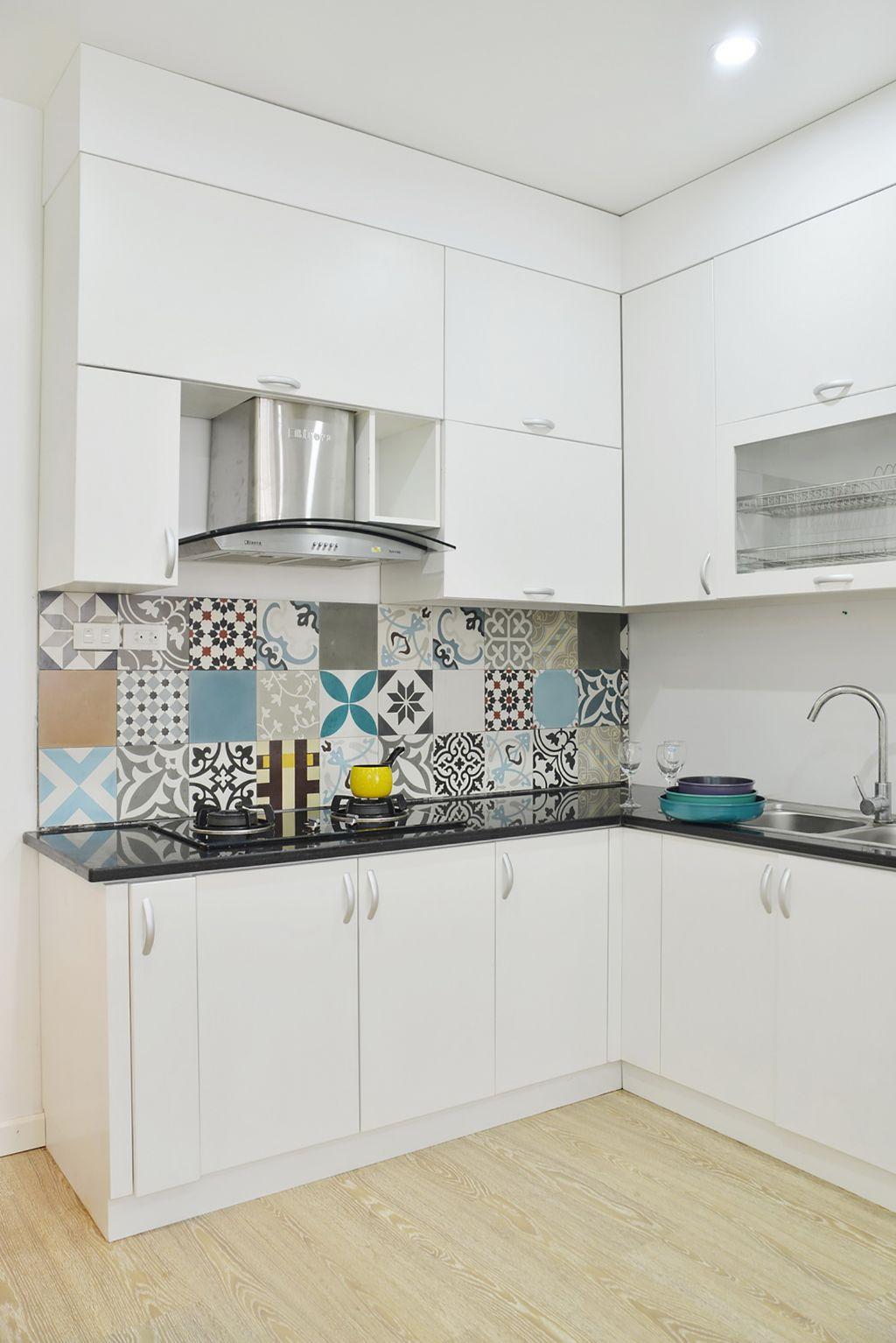 moderen-apartament-s-tsveten-i-udoben-interior-4g