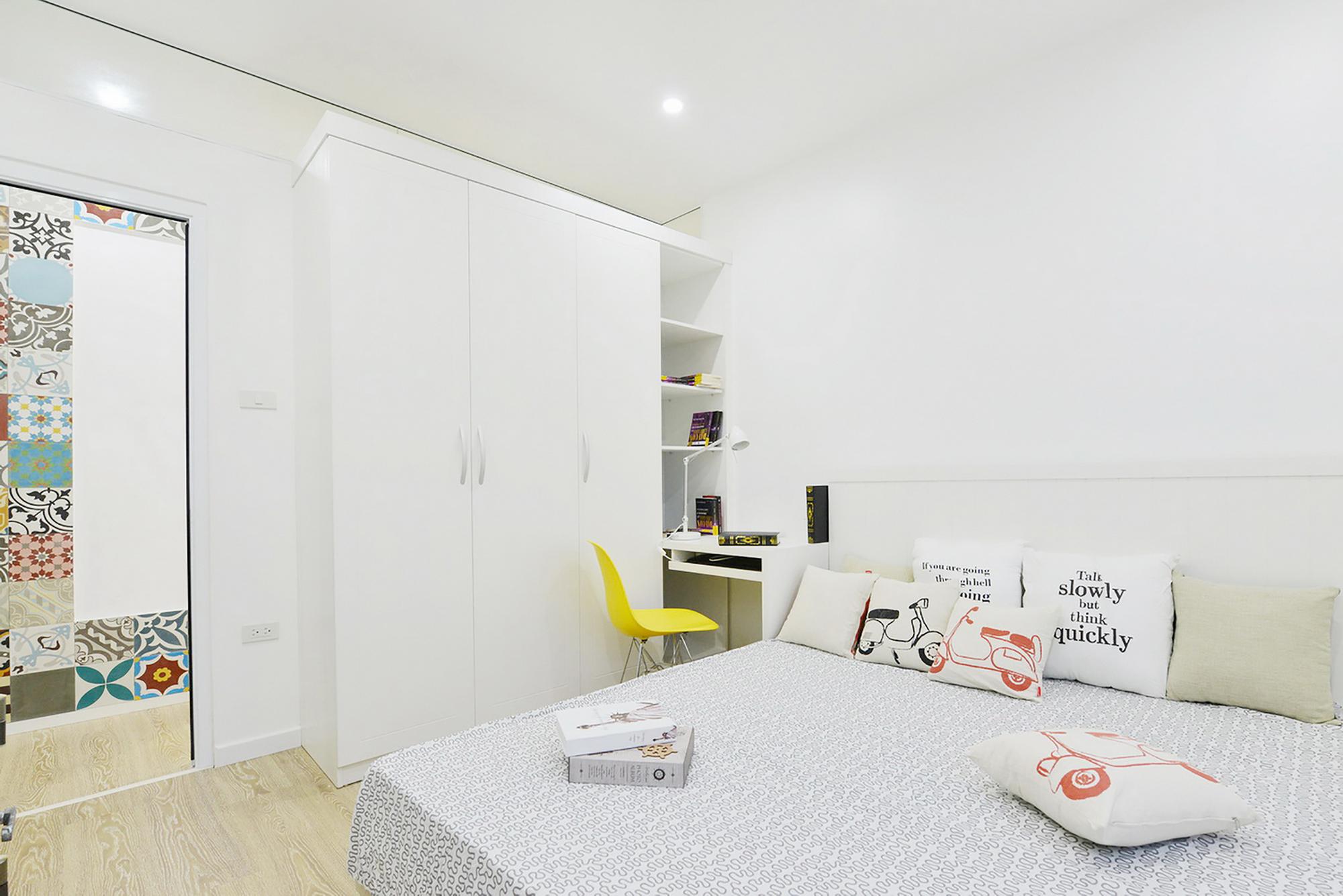 moderen-apartament-s-tsveten-i-udoben-interior-8g