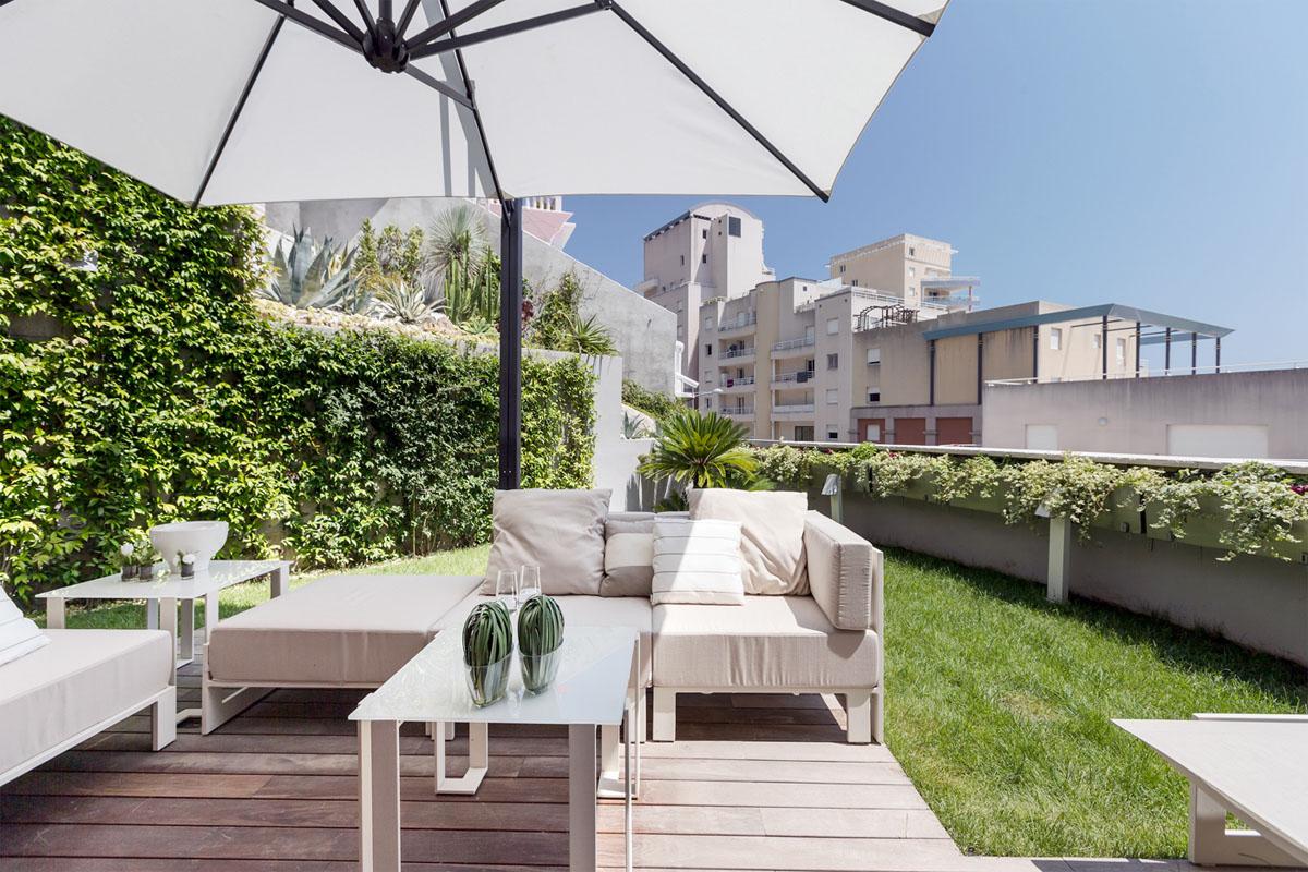 prostoren-apartament-s-funktsionalen-i-eleganten-interior-6g