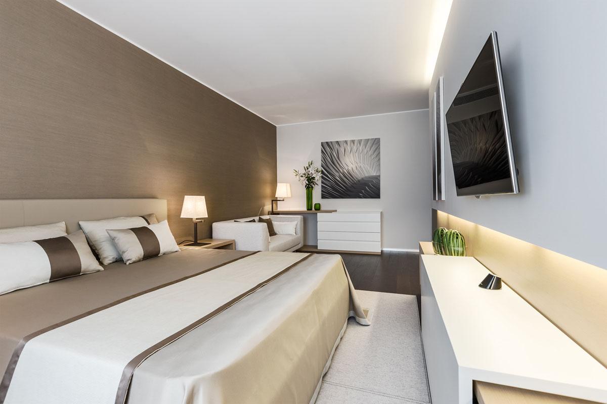 prostoren-apartament-s-funktsionalen-i-eleganten-interior-910g