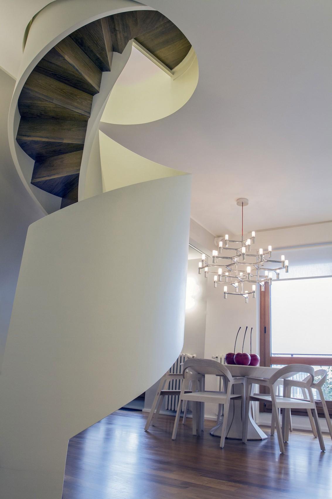 moderna-rezidentsiq-v-milano-pokazva-interesni-mebeli-i-funktsii-3g