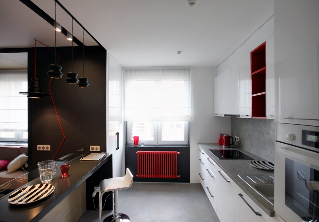 malak-apartament-s-nestandarten-interior-v-cherno-bqlo-i-cherveno-6g