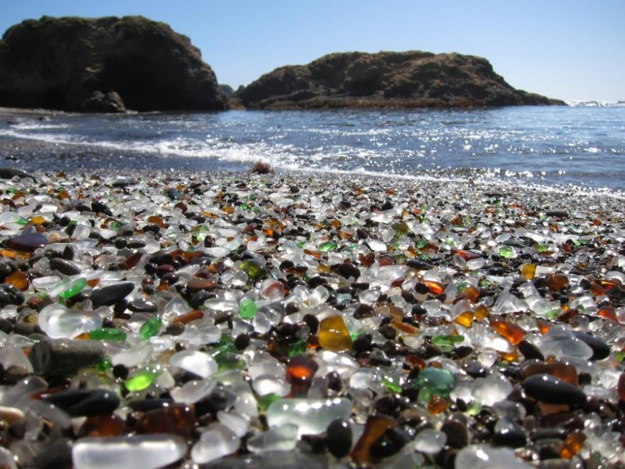 16-of-the-most-bizarre-beaches-in-the-world-1-1