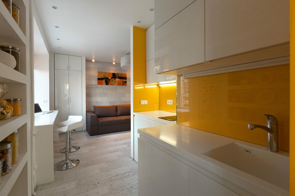 malak-apartament-s-kompakten-i-mnogofunktsionalen-interior-4g