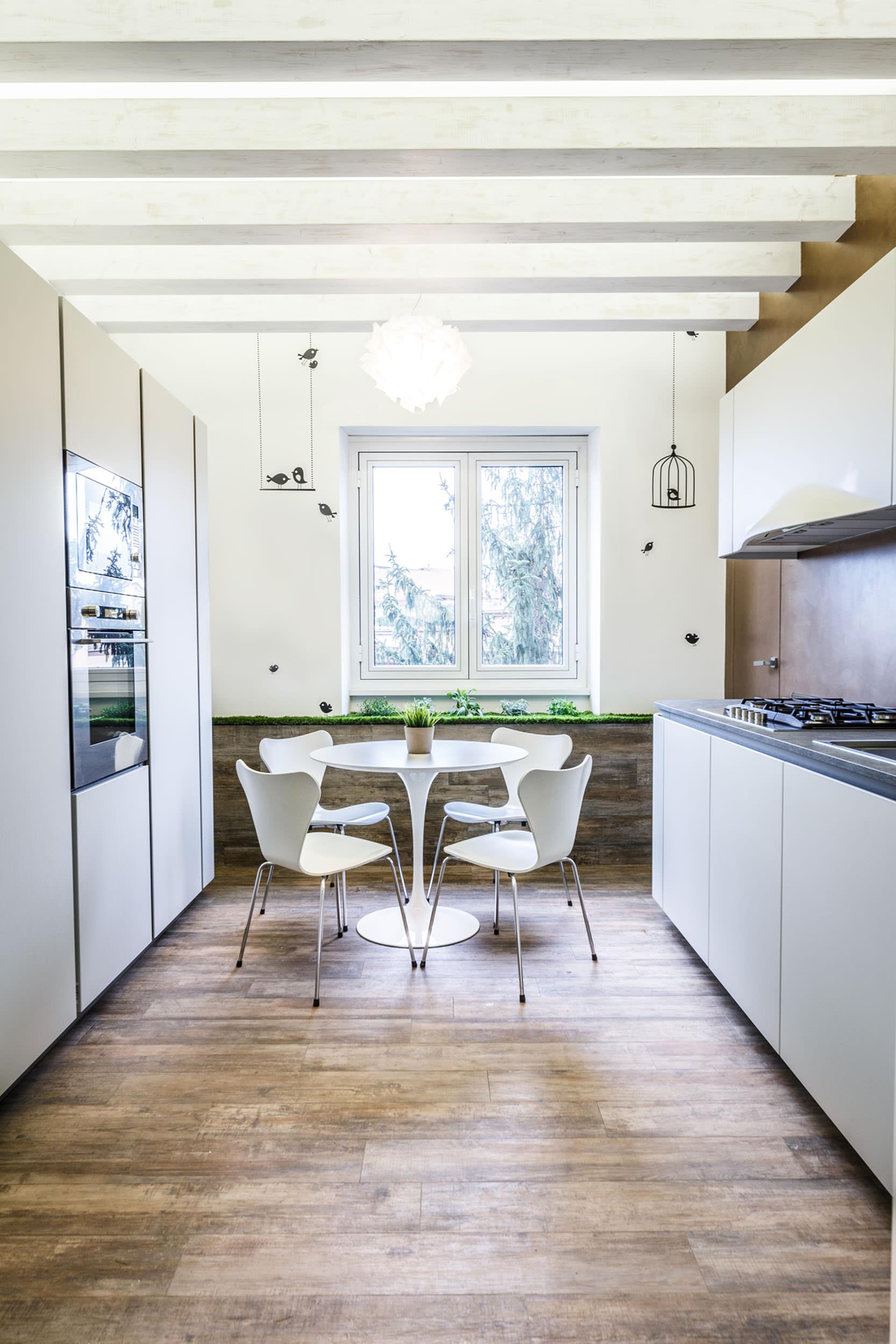 moderen-italianski-apartament-s-izobilie-ot-zelenina-7g