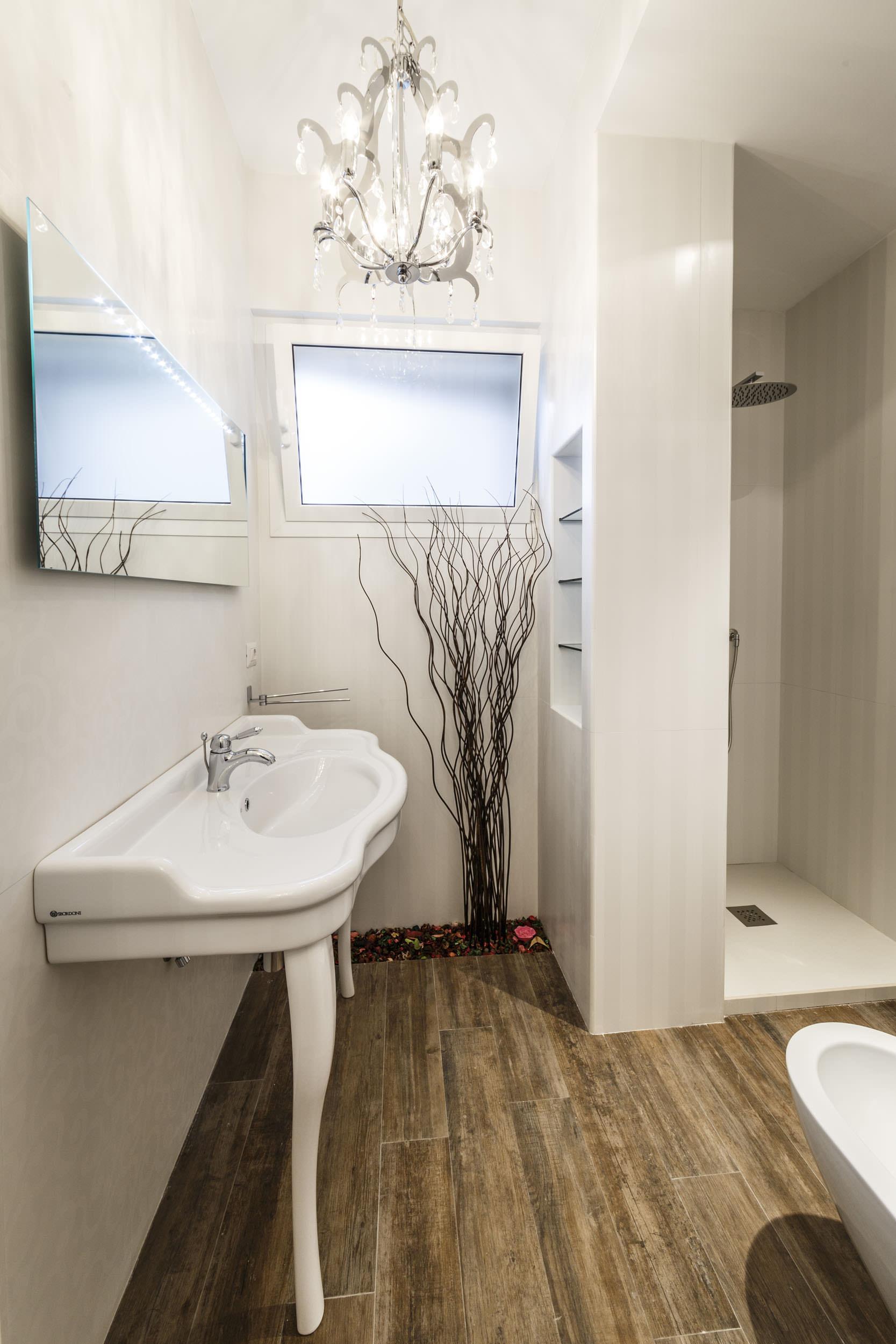 moderen-italianski-apartament-s-izobilie-ot-zelenina-911g