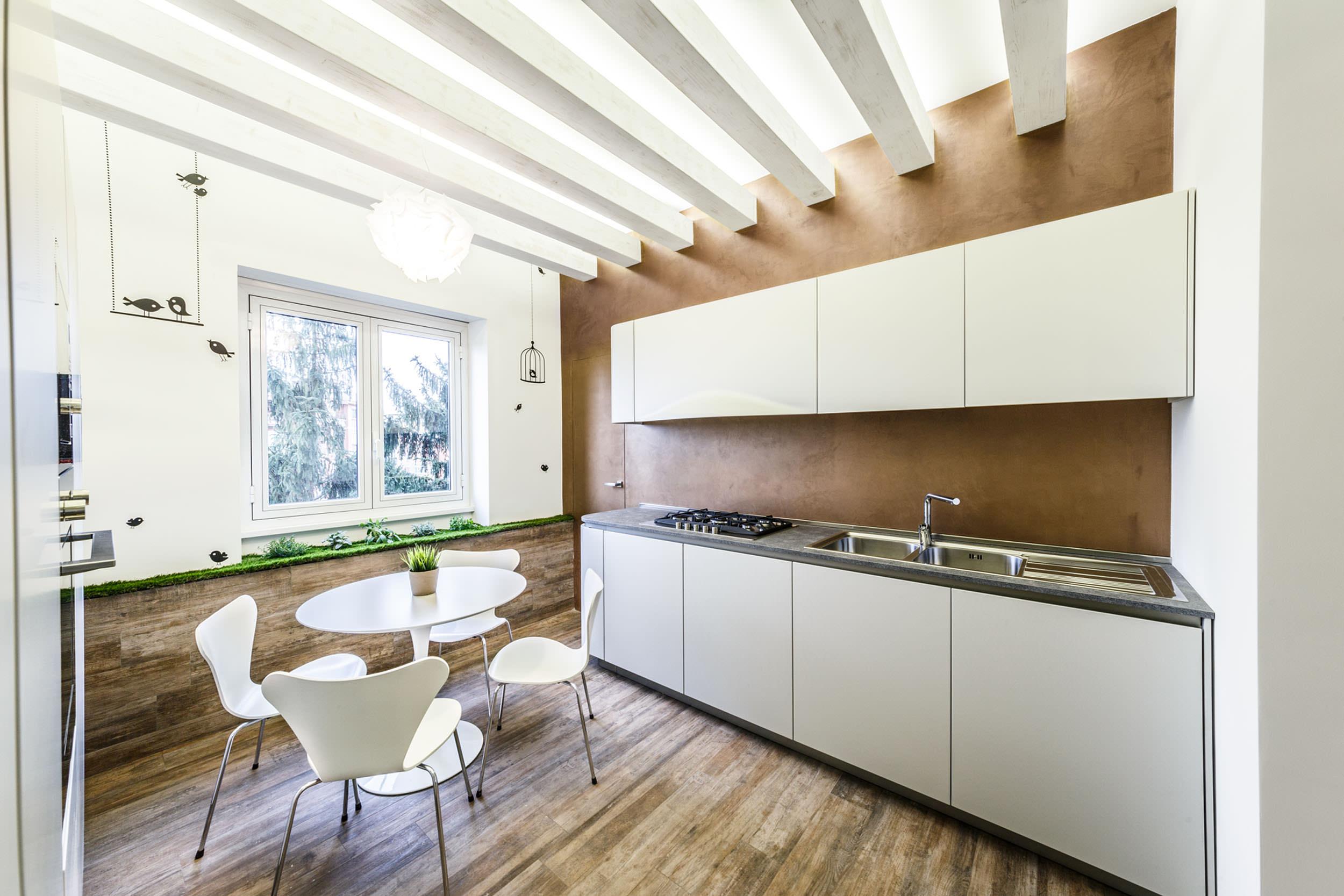 moderen-italianski-apartament-s-izobilie-ot-zelenina-9g
