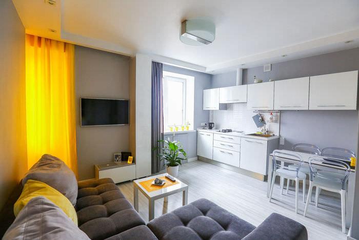 simpatichen-interior-na-malak-apartament-v-sivo-i-jalto-1g
