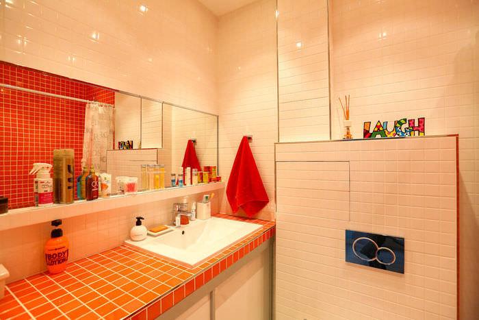simpatichen-interior-na-malak-apartament-v-sivo-i-jalto-910g