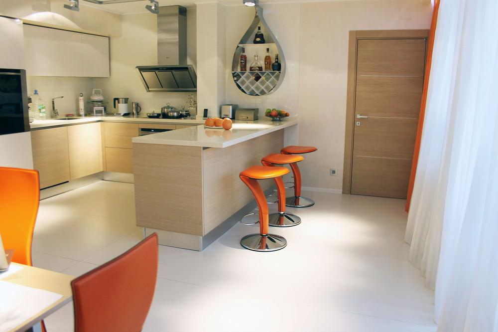 stilen-interior-na-kuhnq-s-oranjevo-nastroenie-2g