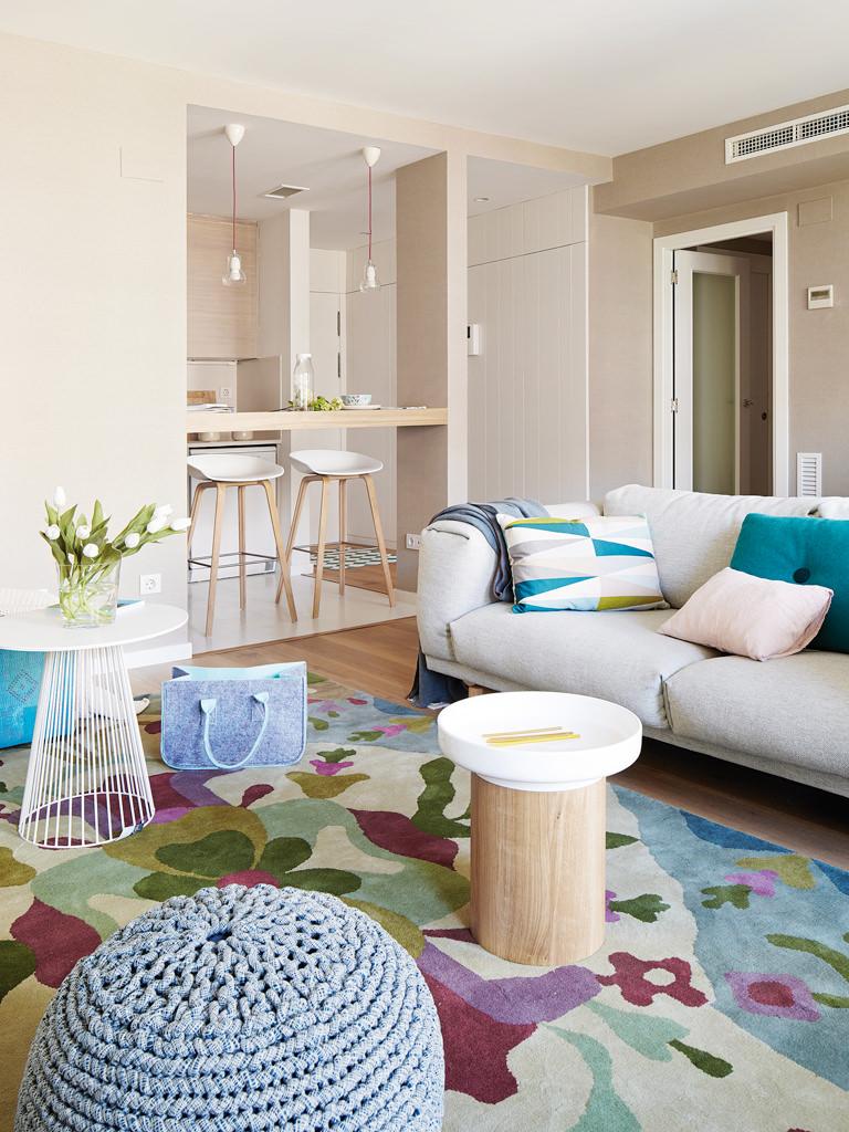 prostoren-apartament-s-interior-v-letni-tsvetove-2g