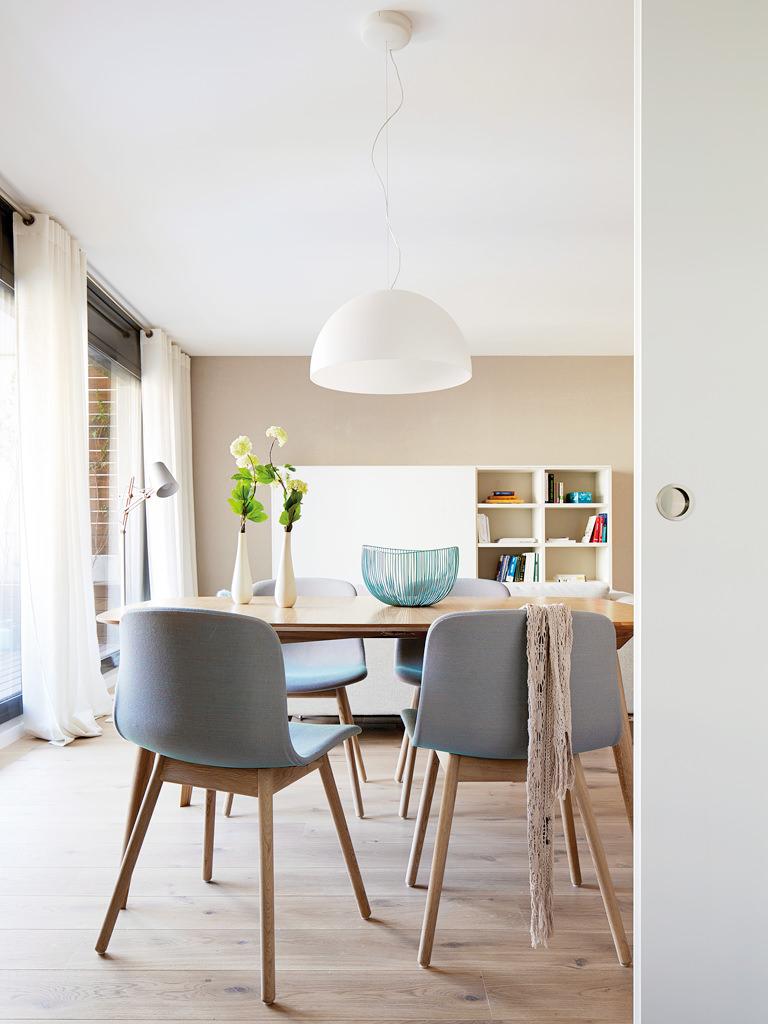 prostoren-apartament-s-interior-v-letni-tsvetove-6g