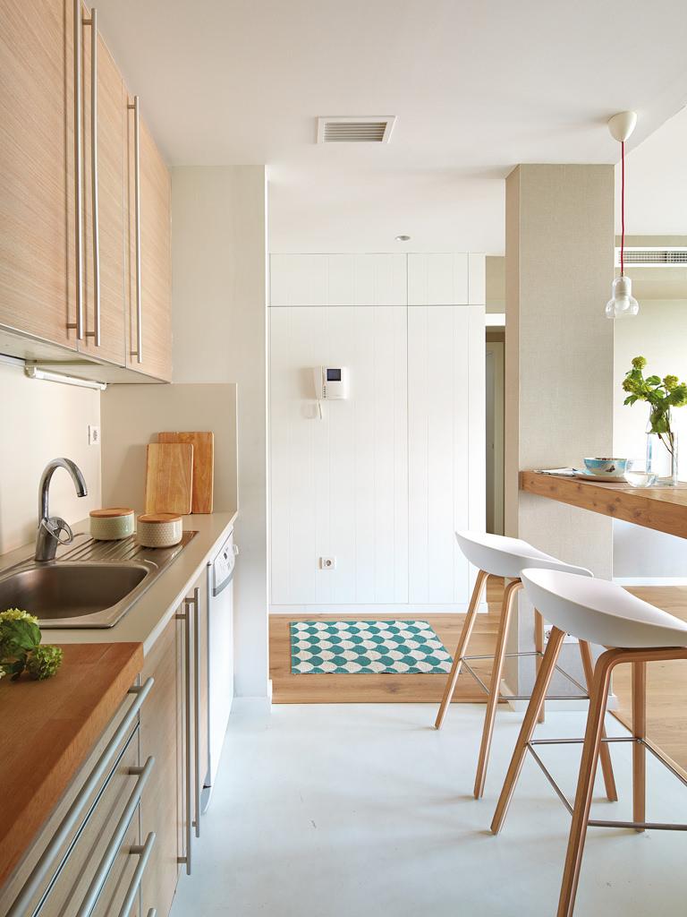 prostoren-apartament-s-interior-v-letni-tsvetove-8g