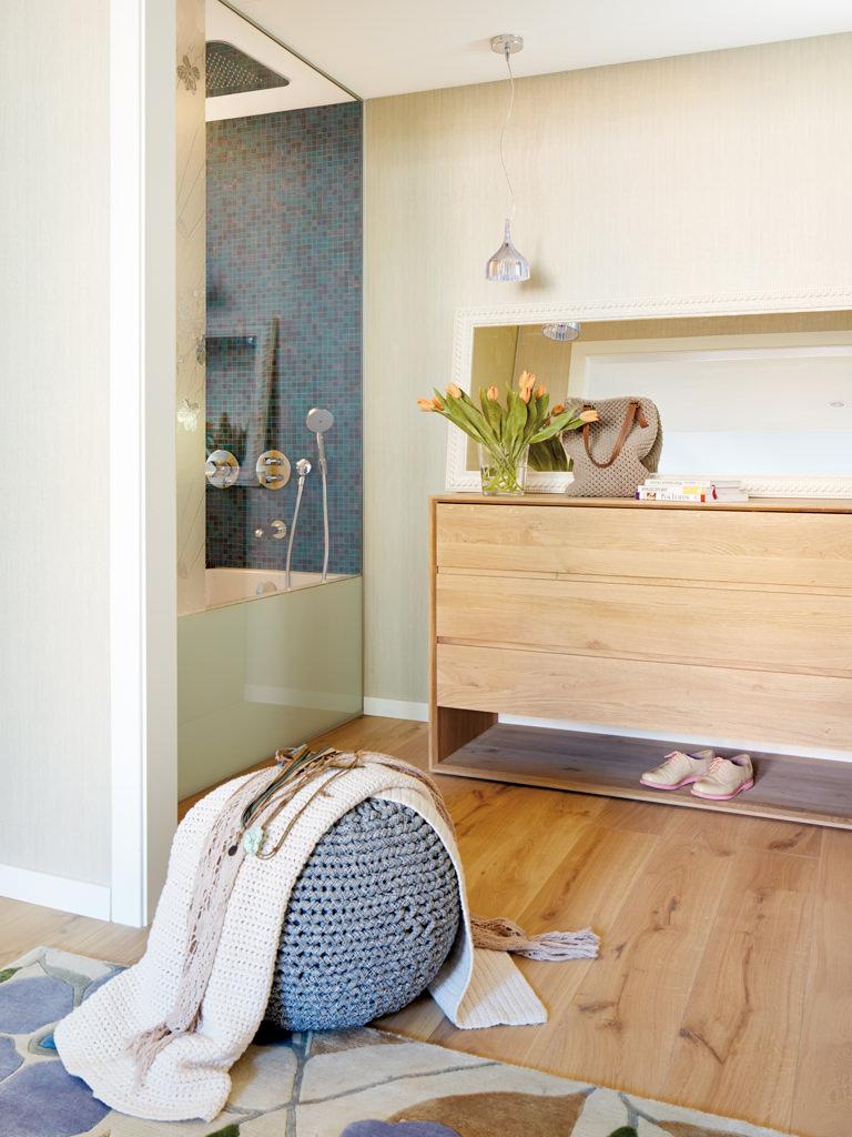 prostoren-apartament-s-interior-v-letni-tsvetove-912g