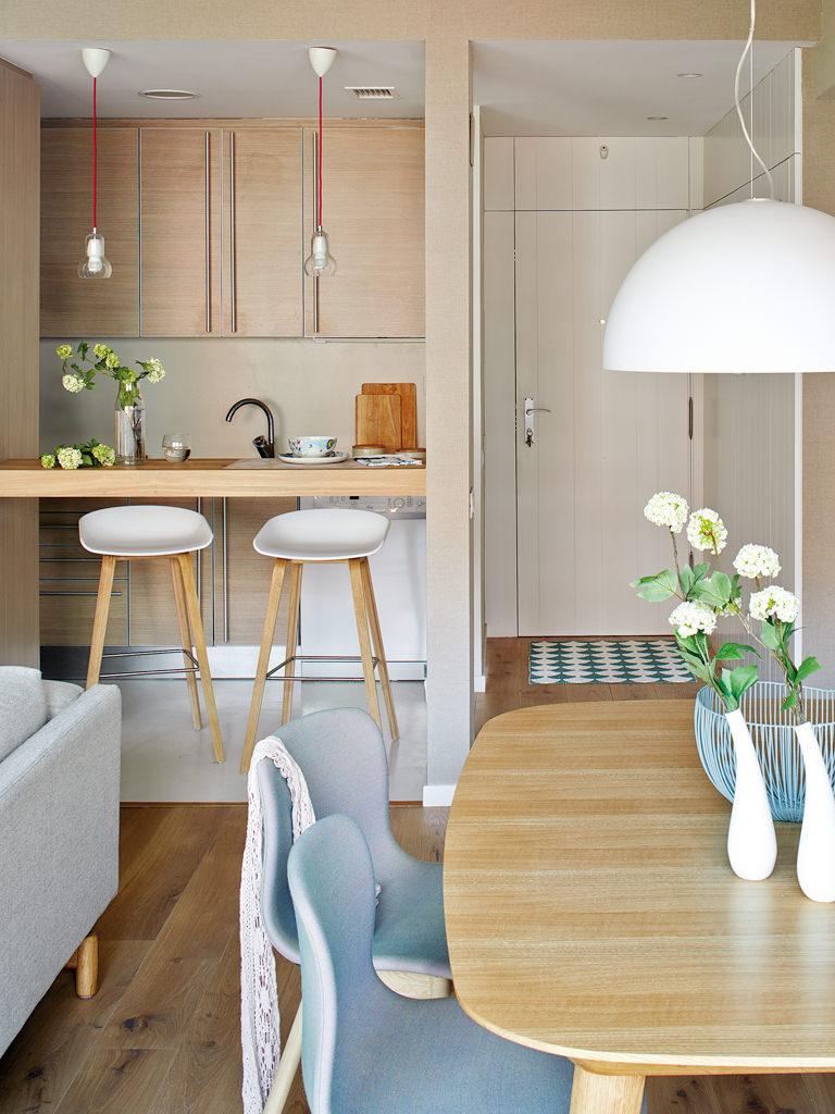prostoren-apartament-s-interior-v-letni-tsvetove-9g