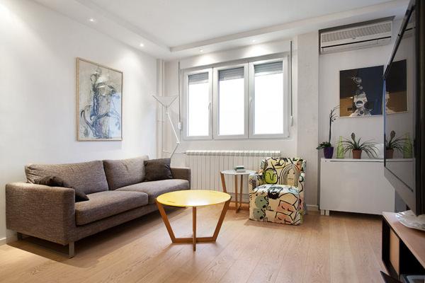 malak-svetal-uiuten-apartament-v-belgrad-1g