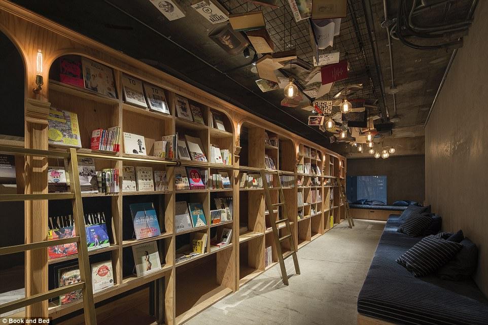book-and-bed-hotel-i-biblioteka-v-edno-1g