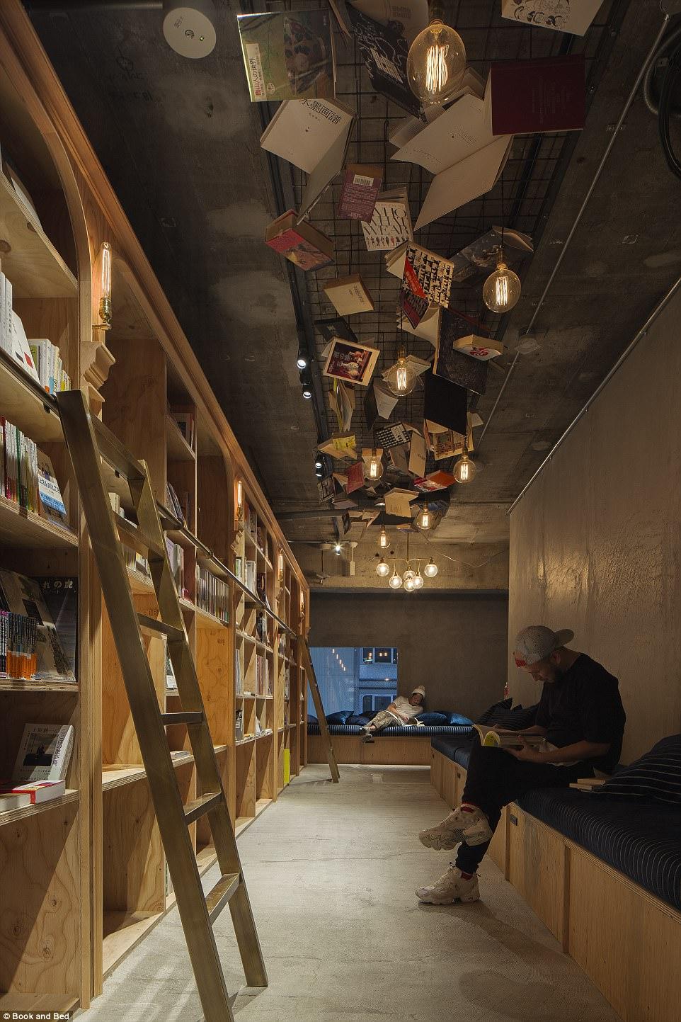 book-and-bed-hotel-i-biblioteka-v-edno-3g