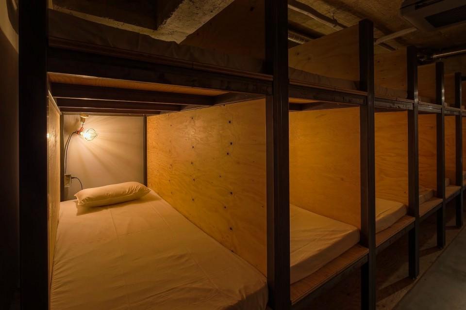 book-and-bed-hotel-i-biblioteka-v-edno-6g
