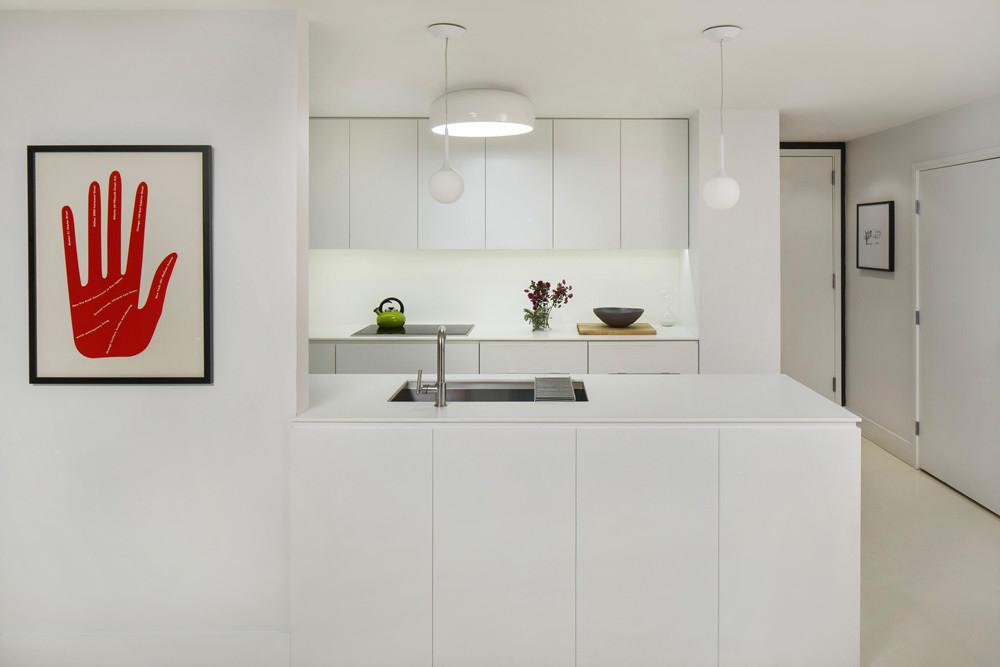 moderen-apartament-sas-sempal-intererior-v-cherno-i-bqlo-2g