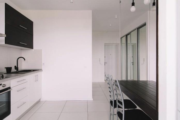 stilen-malak-apartament-s-interior-v-cherno-i-bqlo-50-m-7g