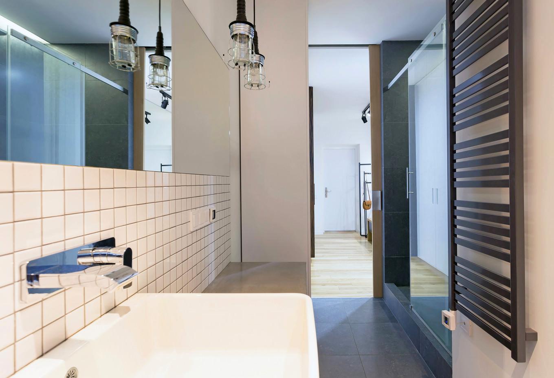 vpechatlqvasht-malak-apartament-s-moderen-dizain-912g