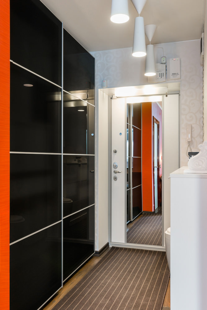 funktsionalen-interior-na-studio-v-kontrastni-tsvetove-36-m-6g