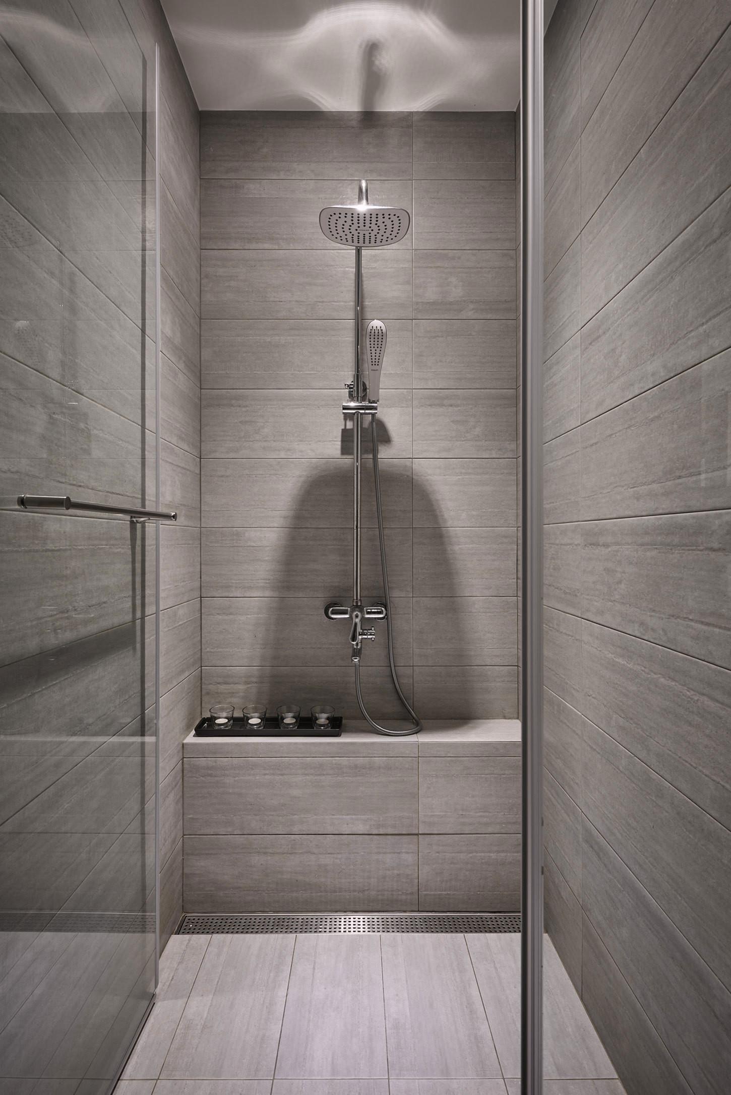 etaj-ot-kashta-s-moderen-i-prostoren-interioren-dizain-120-915g