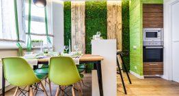 Удивителен интериор на кухня с трапезария в еко стил